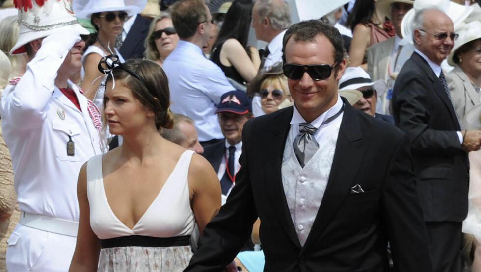 PÅ SAMME SKIMERKE: Julia Mancuso og Aksel Lund Svindal, her i prinsebryllupet i Monaco i fjor sommer.Foto: SCANPIX/AFP/DAMIEN MEYER