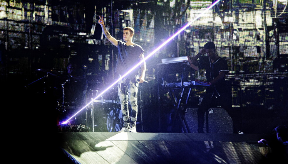 SAVNET SNAKK: Dagbladets anmelder savnet noen velvalgte ord fra Bieber til publikum under konserten i Telenor Arena. Foto: Nina Hansen / Dagbladet
