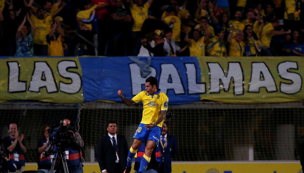 JUBLET FOR ETT POENG: Sergio Araujo berget ett poeng for Las Palmas fem minutter før slutt. Foto: REUTERS/Juan Medina/ NTB Scanpix