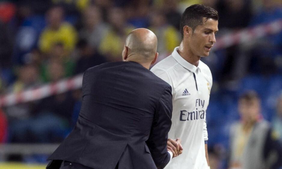 OPPGITT: Cristiano Ronaldo var tydelig oppgitt da han ble byttet ut mot Las Palmas lørdag kveld. Foto: Quique Curbelo / EFE / NTB Scanpix