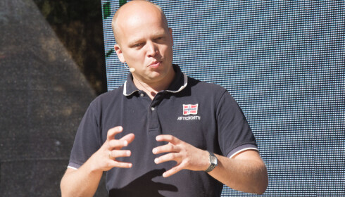 I SIGET: Sp-leder Trygve Slagsvold Vedum har grunn til å være fornøyd. Partiet får sin sterkeste måling siden mai 2008. Foto: Terje Bendiksby / NTB scanpix