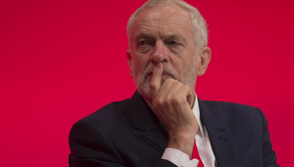OMSTRIDT: Jeremy Corbyn ble gjenvalgt som partileder i Labour med stort flertall, men vekker fortsatt strid. Her fra åpningen av Labours landsmøte i helgen. Picture by David Mirzoeff / i-Images.