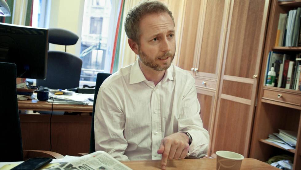 """NY BOK: Nestleder i SV, Bård Vegar Solhjell, skriver i boka """"Solidaritet på ny""""  om høyresidas svik mot demokrati og menneskerettigheter. Foto: Melisa Fajkovic / Dagbladet."""