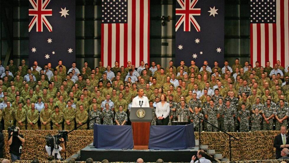 AUSTRALIA-BESØK:  President Barack Obama taler til de australske soldatene i Darwin - som er byen hvor presidenten ønsker å plassere ut 2500 amerikanske soldater.Foto. EPA/SCOTT BARBOUR / Scanpix