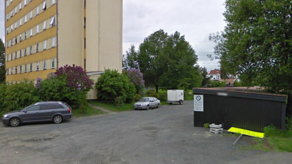 ÅSTED: Her i Spireaveien 9 på Løren skal en ung norsk kvinne ha blitt voldtatt i natt. Foto: Google Maps