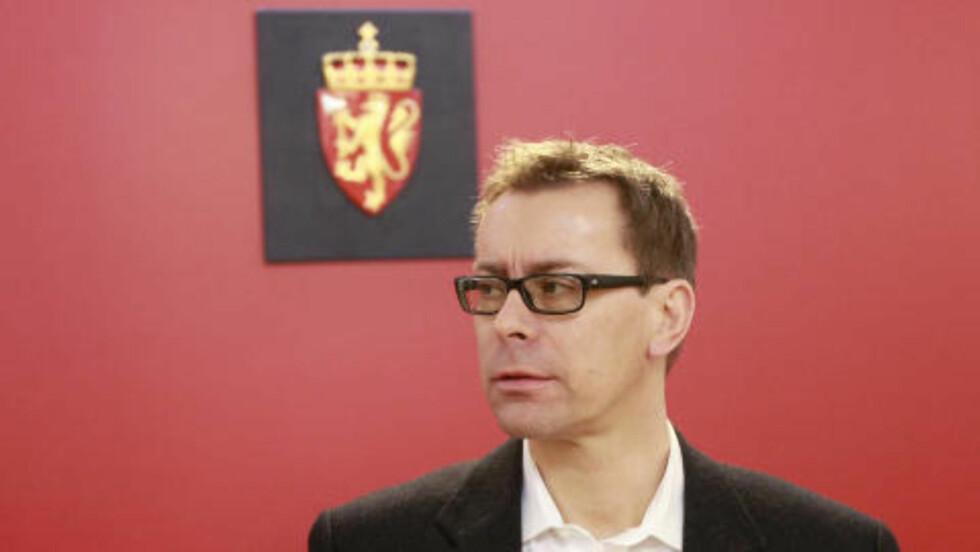 RETTSPSYKOLOG: Pål Grøndahl er en meget erfaren rettssakkyndig. Ifølge hans erfaring vil behandlingen av Anders Behring Breivik ta svært lang tid og starte med medikamenter, før man sakte går over til samtaleterapi. Foto: Heiko Junge / Scanpix .