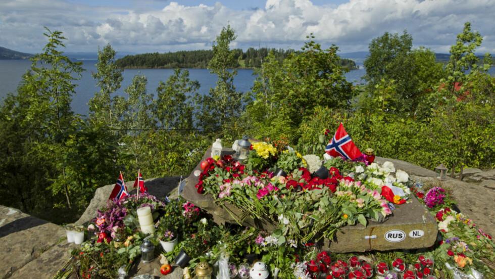 PÅ KRIGSSTIEN: «Mer demokrati, mer åpenhet»,  lød statsministerens appell etter massakeren på Utøya. Nå mener kommentator Kjetil Rolness at den unge venstresiden er på krigsstien etter bare fire måneders fredningstid. Foto: Berit Roald / Scanpix