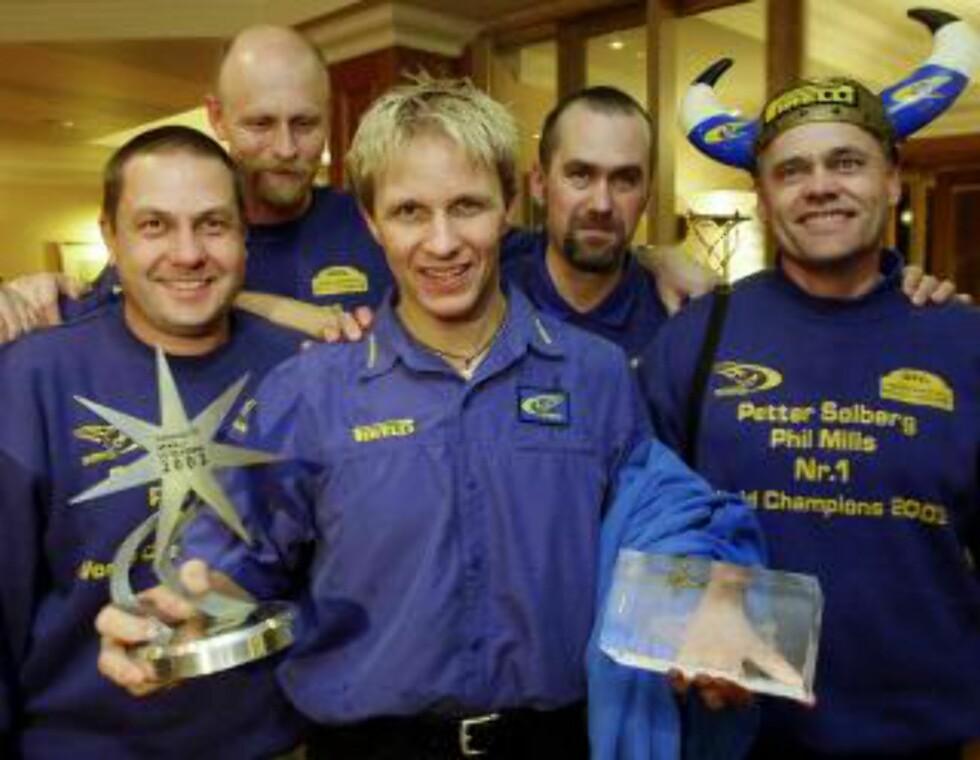 KARRIEREHØYDEPUNKTET: Petter Solberg ble verdensmester i 2003. Forutsetningene for at så skal skje igjen er atskillig bedre med en fabrikkskontrakt fra Ford i baklomma.Foto: Erlend Aas / SCANPIX