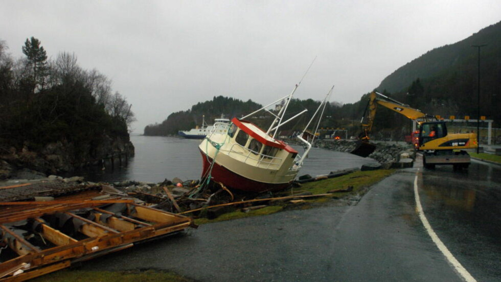 MER VIND?: Orkanen Dagmar har herjeg med båter og fergekai på Magerholm i Ålesund. Det kan bli mer ekstremvær i årene som kommer. Foto: Fridgeir Walderhaug / Dagbladet