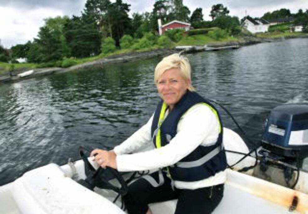 <strong> NORSK FERIE:</strong> Frp-lederen Siv Jensen trives godt på ferie i Norge, og valgte Lofoten som feriefavoritt. Foto: JACQUES HVISTENDAHL