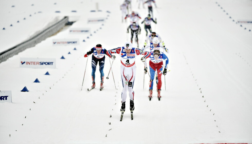 KORTERE STAVER?: Her er Petter Northug på vei mot mål i Falun. I framtida kan det bli en makslengde på staver i konkurranse for å hindre for mye staking. Foto: Hans Arne Vedlog / Dagbladet