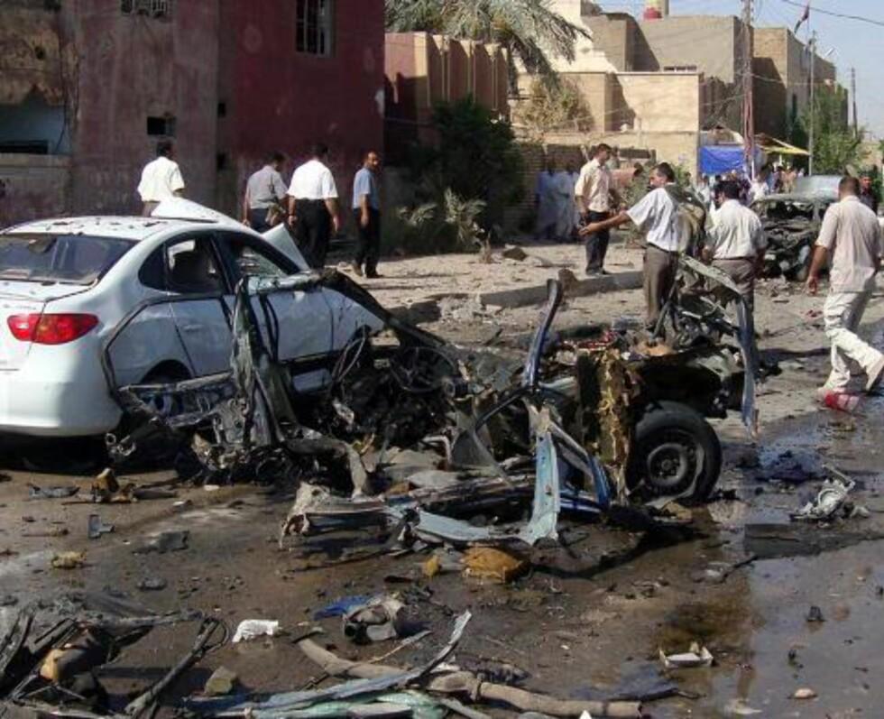 """FORTSATT TERROR: 110 000 drepte sivile irakere, er et forsiktig anslag på tapene siden mars 2003. Det er ett """"11. september"""" hver 83. dag. Her fra 15. august, da 54 mennesker ble drept i en rekke forskjellige angrep i Irak. Foto: Khider Abbas/EPA/Scanpix"""