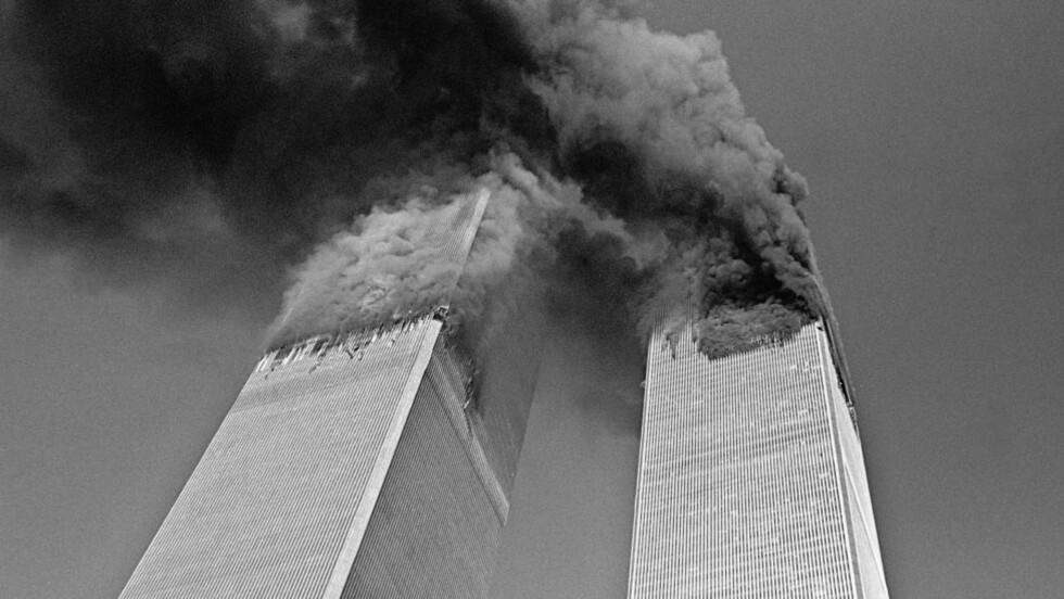 Merkelig valg: «Jeg skulle likt å høre NRKs journalistfaglige begrunnelse for å markere tiårsdagen for verdenshistoriens blodigste terrorangrep med å sende konspirasjonsteorislageren Loose Change», skriver kronikkforfatteren. Foto: Gulnara Samoilova/AP/Scanpix