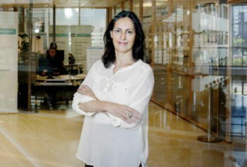BYGG NETTVERK: - Bygg nettverk, og tør å bruk dem, råder karriererådgiver Adriana Jansen ved BI. Foto: Adrian Øhrn Johansen.