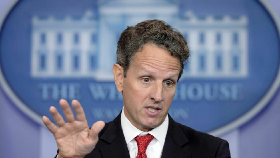 VERDENSØKONOMIEN: USAs finansminister Timothy Geithner frykter katastrofal risiko og bølge av mislighold. Foto: SCANPIX/EPA/MICHAEL REYNOLDS
