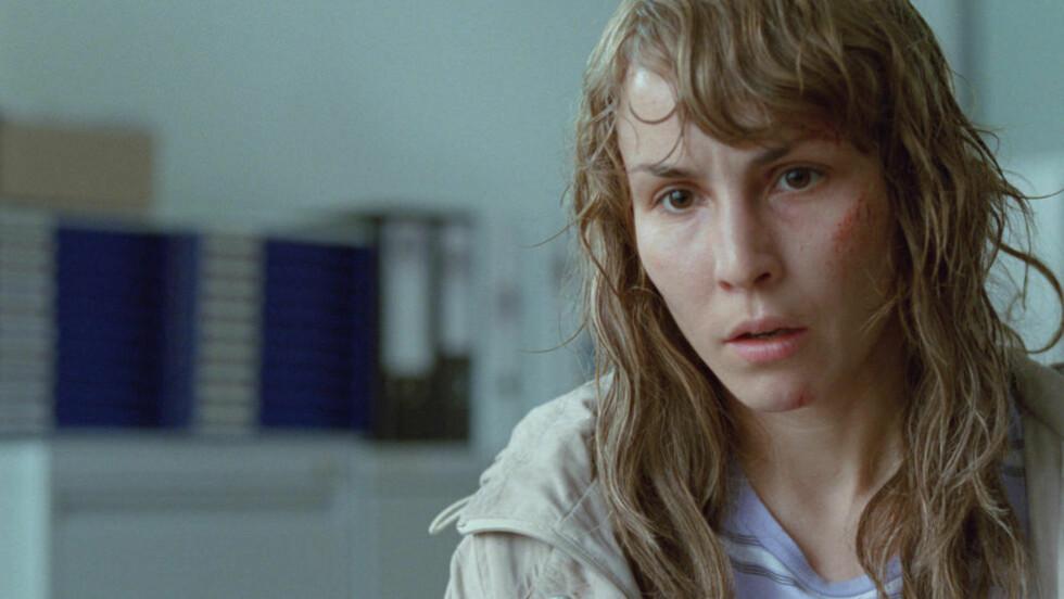 SPILLER MED KROPPEN: Noomi Rapace gir voldsofferet Anna et hardt og fryktsomt kroppsspråk i «Babycall».