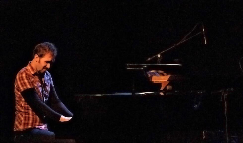 DEBUT: Eyolf Dale (26) leverer en strålende solodebut med albumet «Hotel Interludes» der han viser seg som en komponist og utøver av format. Her er han på Vossa Jazz i 2008. FOTO: TERJE MOSNES