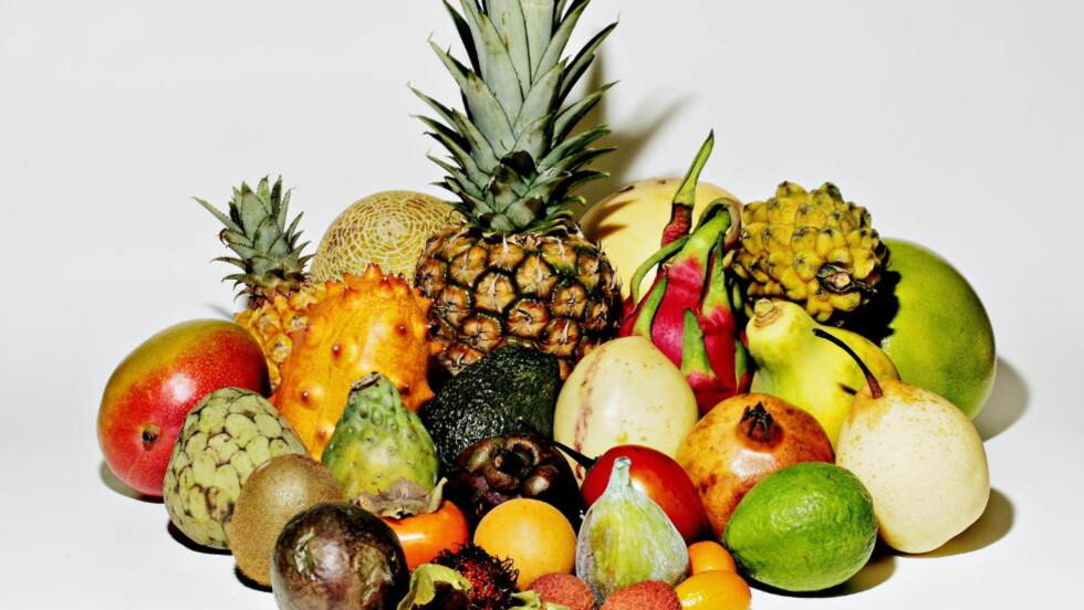 FRUKTOSE: For mye av det naturlige fruktsukkeret i kosten kan øke risikoen for lever og hjerte- og karsykdom, ifølge en artikkel i Harvard Heart Letter. Fruktose finnes i frukt og grønnsaker, men også i brus, sportsdrikker, yoghurt, fruktjuice, melkedrikker, brød og bakevarer. Ekspertene Dagbladet har snakket med mener det er nok med to frukt om dagen. Foto: OLE C. H. THOMASSEN/Dagbladet