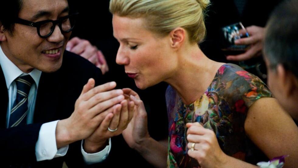 FULL KONTROLL: Steven Soderbergh skildrer en katastrofe på smart og edruelig vis i «Contagion». Gwyneth Paltrow er blant dem som segner om.