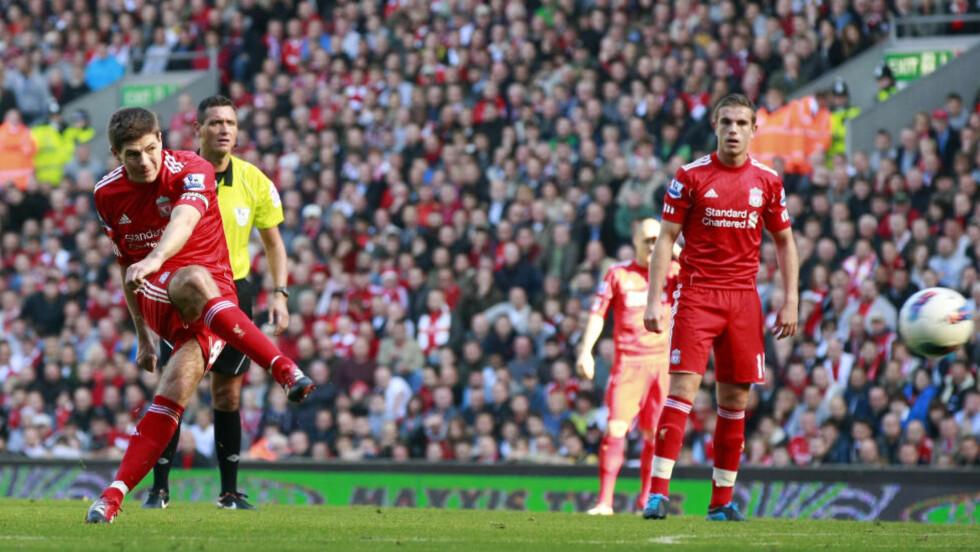 POENGDELING: Steven Gerrard ga Liverpool ledelsen på Anfield, men Manchester United ble reddet av innbytterne.Foto: SCANPIX/AP/Tim Hales