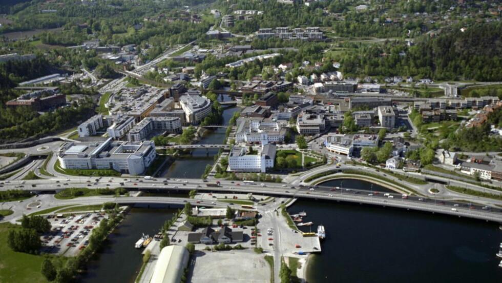 HER ER HVER FEMTE INNBYGGER MILLIONÆR: Bildet er tatt over Sandvika i Bærum Kommune. Foto: TOMM W. Christiansen / Dagbladet