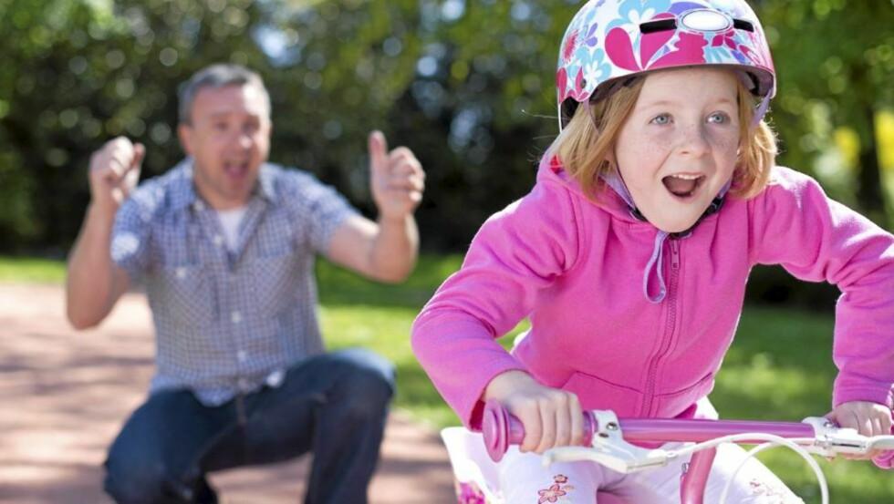 FOREBYGGER MOBBING: Akkurat som sykling, er indre styrke noe du selv kan lære barnet ditt.  Foto: Istock