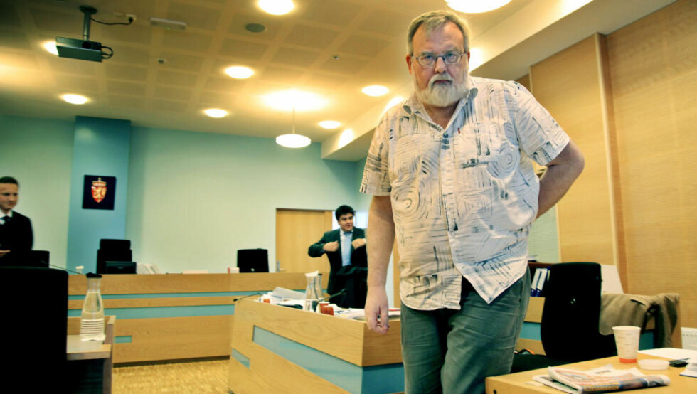 DEN MEKTIGE MANNEN: Kjell Gunnar Larsen (55) møter for SOS Rasisme i  Haugaland tingrett. Her møter han alene, uten støtte fra ett eneste av 40 000 medlemmene han har hevdet SOS Rasisme har.  Foto: Jacques Hvistendahl