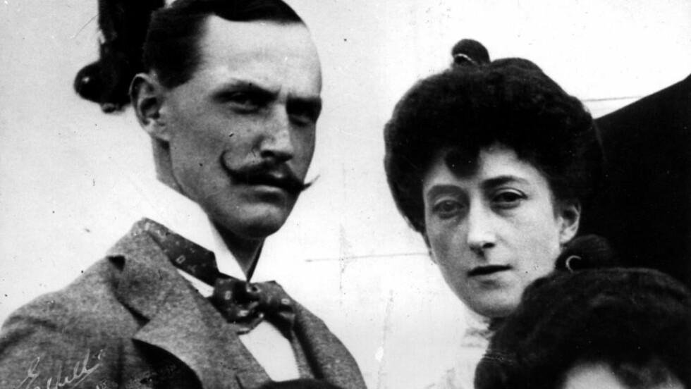 NORSK KONGEHUS: Kong Haakon og dronning Maud ble Norges første egne monarker på flere hundre år i 1905. Kong Haakon var dansk, mens Maud var engelsk. Droningen var helt fram til sin død svært nært knyttet til Storbritannia. Foto: Scanpix