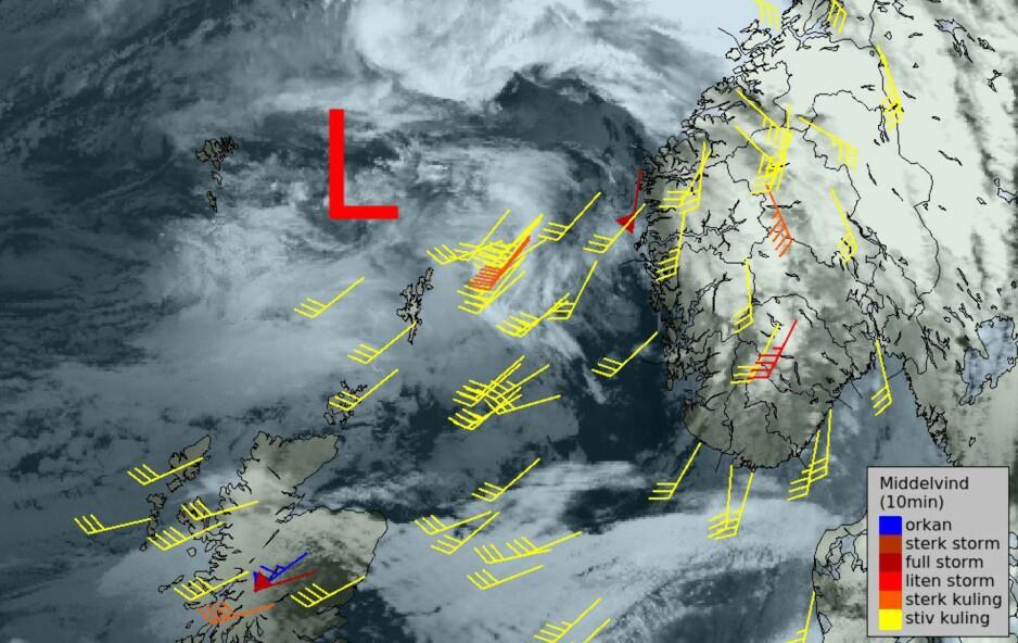 VIND: Sterkeste middelvind fram til kl 20 i dag: Gaustatoppen 26,1 m/s Kråkenes 25,7 m/s Jølster-Kvamsfjell 24,7m/s., melder Meteorologene på Twitter. Foto: Meteorologene/Yr/Twitter