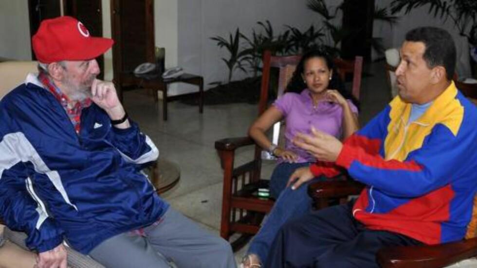 HELSEN TIL CHAVEZ: «La disse bildene bringe fred til menneskene i Venezuela når det gjelder helsen til president Hugo Chavez», sa Venezuelas kommunikasjonsminister Andres Izarra på statskanalen i går, ifølge BBC. Foto: EPA/SCANPIX