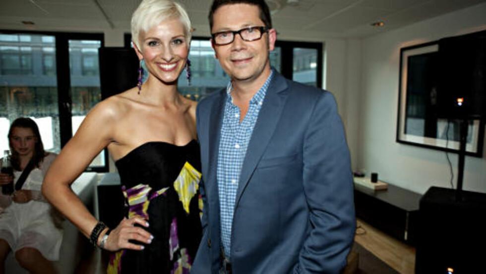 LØFTER KVINNENE: Espen Graff i NRK går motstrøms resten av TV-bransjen og vil ha flere kvinner på skjermen. Anne Rimmen er en av dem. Foto: Anders Grønneberg