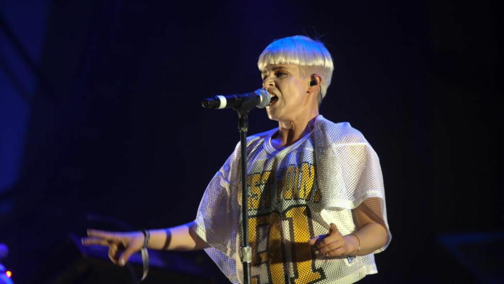 HOVE: Robyn fikk Hovepublikumet til å danse og kline. Foto: Anders Grønneberg