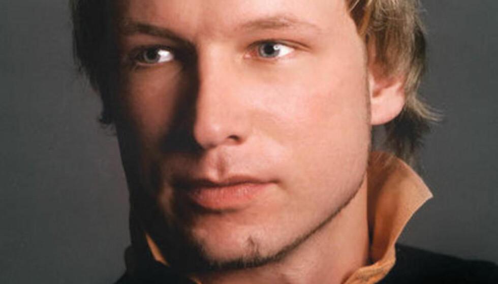 Alene: Anders Behring Breivik har forklart for politiet at han gjennomførte terroraksjonene alene.