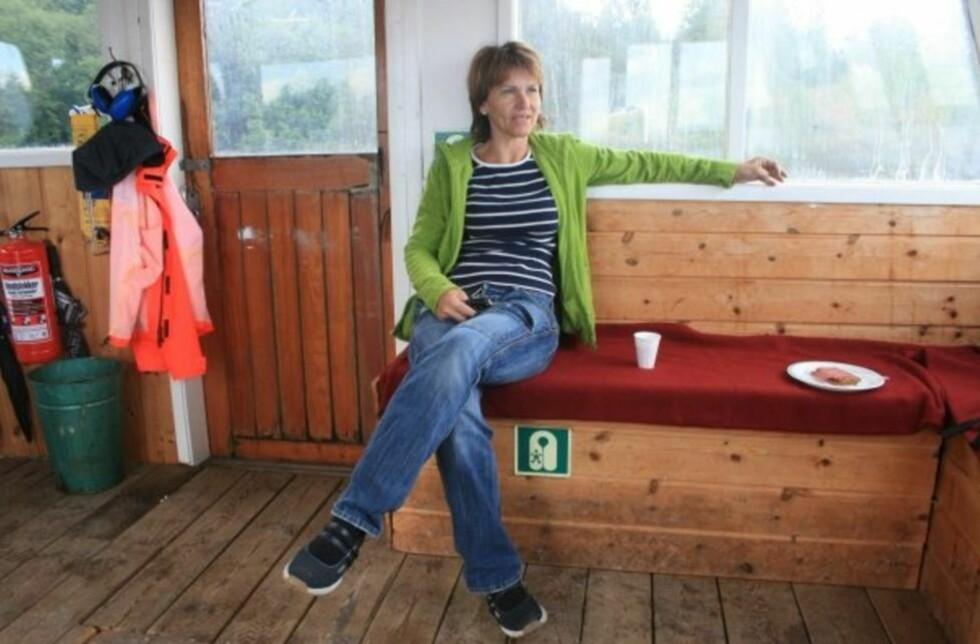 MOR UTØYA:  Monica Bøsei har bygget opp Utøya gjennom over 20 år. Her er hun fotografert under Utøya-leiren i 2009.  Foto: Privat