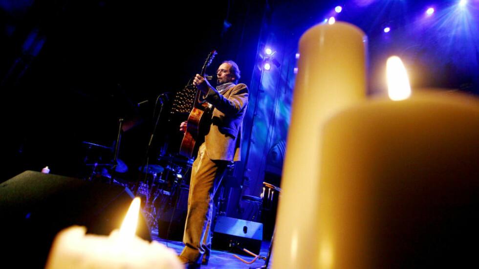 """NY FUNKSJON:  Ole Paus skrev sangen """"Mitt lille land"""" i forbindelse med EU-valget i 1994 - en debatt som delte nasjonen i to. Nå samler den oss i sorg.   Foto: Sara Johannessen / SCANPIX"""