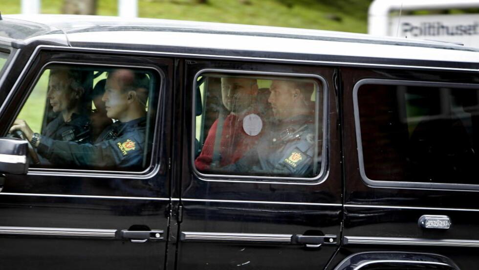 Oslo 20110725. Den siktede Anders Behring Breivik fraktes til Politihuset på Grønland fra Oslo Tinghus i denne bilen. Foto: ERLING HÆGELAND/Dagbladet