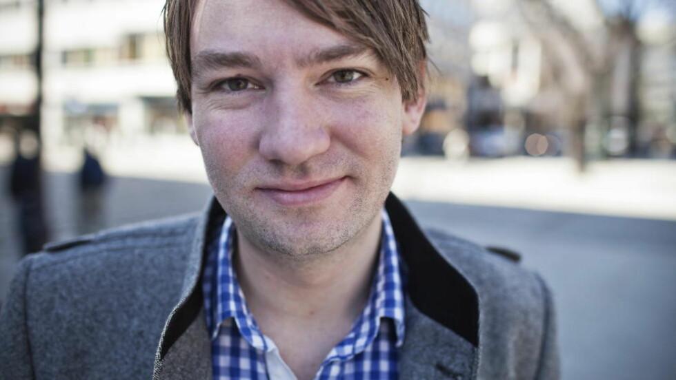 VRAKER SLAGORD: Henrik Asheim, leder for Unge Høyre forteller at de har valgt å vrake et gammelt salgord. Foto: Hilde Mesics Kleven