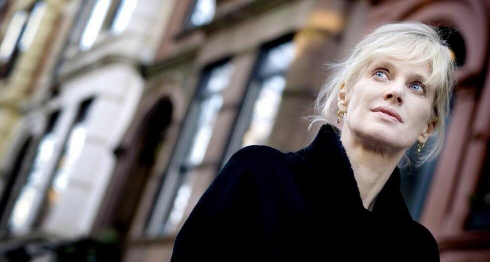 PERSONLIG: Forfatteren Siri Hustvedt har skrevet en personlig-vitenskapelig bok om nevrologiens, psykiatriens og psykoanalysens historie, hvor hun leter etter svaret på sine egne skjelvinger. Foto: Chris Maluszynski