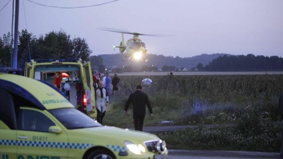 TRAGISK ULYKKE: 19 fallskjermhoppere hoppet ut av flyet sammen. Annan Forbes Hennie omkom, mens en 39-åring er hardt skadd. FOTO: PEDER W. GJERSØE.