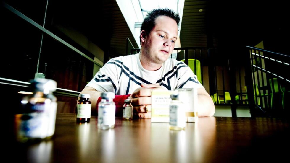 VAR HEKTA: Ståle Wadsworth (36) gikk på anabole steroider i åtte år. - Jeg tok blant annet den samme cocktailen som Breivik skriver at han brukte. Den gjorde meg kontrollert, ga meg selvtillit og energi, sier Ståle, som i 2002 fikk hjertesvikt som følge av overdreven bruk av steroider. I dag advarer han mot dopet, som han mener kan føre til permanente personlighetsforstyrrelser. Foto: Thomas Rasmus Skaug / Dagbladet