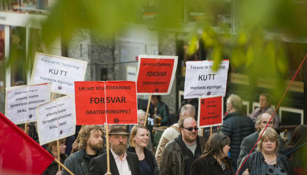 Gratis: «Lik rett til utdanning - forsvar gratisprinsippet», lød parolene i 1. mai-toget i Oslo i fjor.Foto: Fredrik Varfjell / NTB Scanpix.