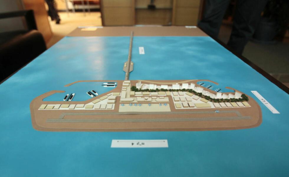 AMBISIØST: Modell av den kunstige øya Israel ønsker å anlegge utenfor Gazastripa. Foto: BAZ RATNER/REUTERS/SCANPIX