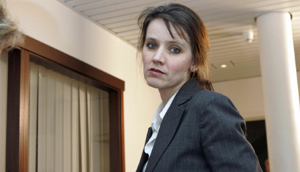 MÅ JOBBE MER:  Spekter-direktør Anne-Kari Bratten har liten sans for at folk velger fritid framfor arbeid. Bildet fra lønnsforhandlingene i 2007.   Foto: Knut Falch / SCANPIX