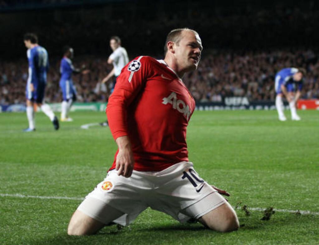 LEDELSE: Wayne Rooneys mål på Stamford Bridge onsdag gjør at United er favoritter til å gå Champions League-semifinalen. Foto: AFP/ADRIAN DENNIS
