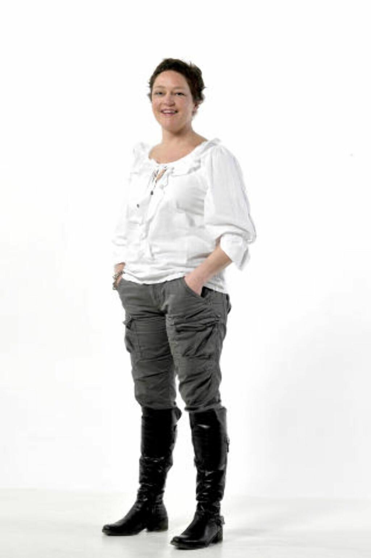 FORBRUKEREKSPERT: Elise Marie Korsvik er jurist og seniorrådgiver i Forbrukerrådet. Hun sitter både i flyklagenemnda og pakkereisenemnda, og svarer på spørsmål om forbrukerrettigheter om alt som har med flyreiser og charterturer å gjøre. Korsvik kan også svarer på timeshare- og ferieklubbspørsmål, og alle andre forbrukerrelaterte spørsmål man må ha om reiser i utlandet. Foto HANS ARNE VEDLOG