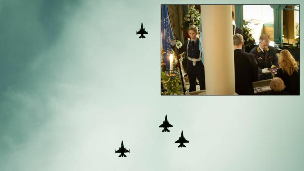 LOST WINGMAN: Fire F16 kampfly viser Siri Skare den siste ære ved å foreta en såkalt Lost Wingman-formasjon i det hennes båre fraktes ut av kirken. Det lille bildet viser Generalinspektøren for Luftforsvaret overlevere Skares medlajer og utmerkelser fra hennes lange karriere i Forsvaret. Foto: Erik Hattrem / Dagbladet