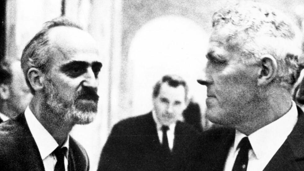 Harde tak: SVs mest karismatiske politiker i de første åra, Finn Gustavsen, går i klinsj med Senterpartiets Per Borten under en politisk konflikt i 1970. ?Foto: Odd Wentzel