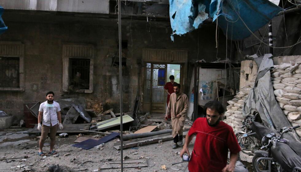 BOMBET SYKEHUS: Øst-Aleppos to største sykehus ble bombet i dag morges. Foto: Abdalrhman Ismail / Reuters / Scanpix