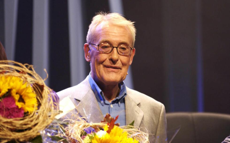 DØD: Eyvind Solås er gått bort. Her fra en premiere i 2002, for stykket «God kveld, Borge», som han spilte i sammen med Knut Borge. Foto: LARS EIVIND BONES/DAGBLADET