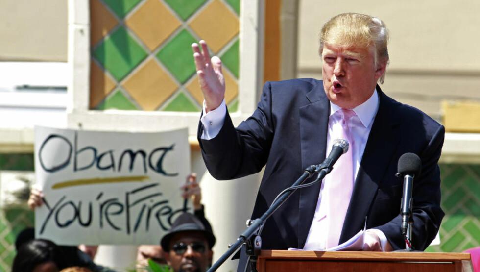 VIL SPARKE OBAMA:  Donald Trump er ikke nådig i karakteristikken av Barack Obama, men møter sterk motstand fra flere etablerte repulikanere når han nører opp under birther-konspirasjonen. Foto: REUTERS/Joe Skipper    (UNITED STATES - Tags: POLITICS ELECTIONS BUSINESS)